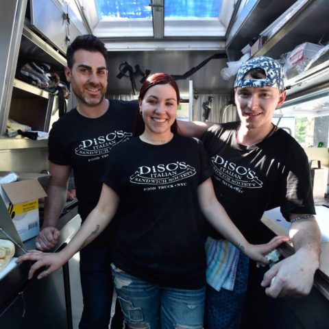 XT0601_Disos-Italian-Sandwich-Society-19_s4x3.jpg.rend.hgtvcom.966.725